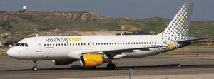 Vueling evacua un vuelo con destino a Alicante por el incendio en uno de los motores