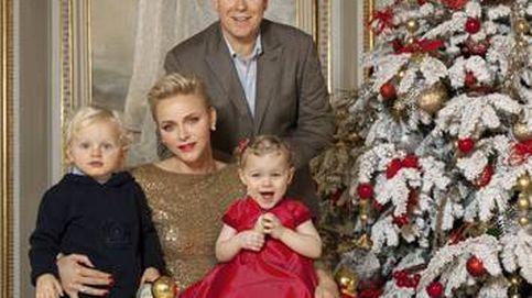 Familiares y muy poco navideños: así son los christmas de la realeza