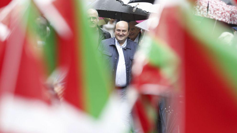 Rajoy confirma el aval del PNV y plantea la moción como una baza para reforzarse