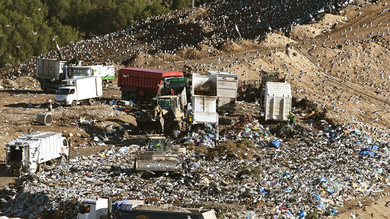 El impulso de los plásticos reciclables y la economía circular que propone la nueva ley pretende cambiar las malas prácticas del pasado. EFE