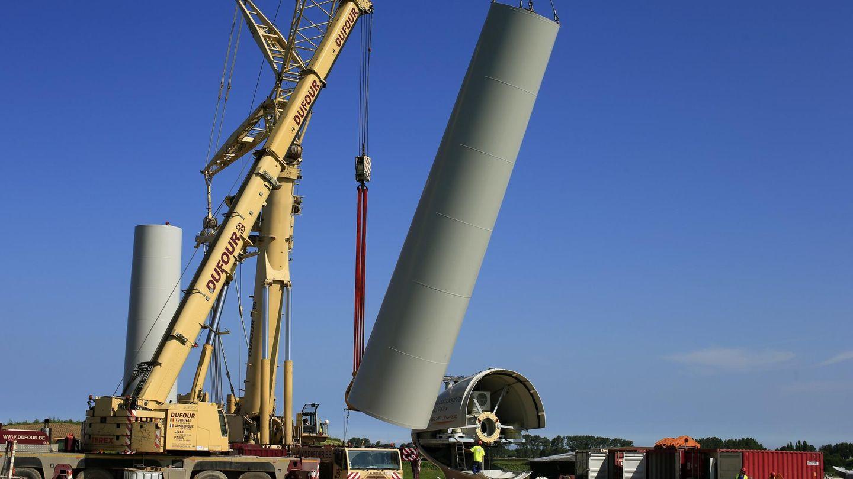 Imagen de archivo de una torre eólica para un aerogenerador. (Reuters)