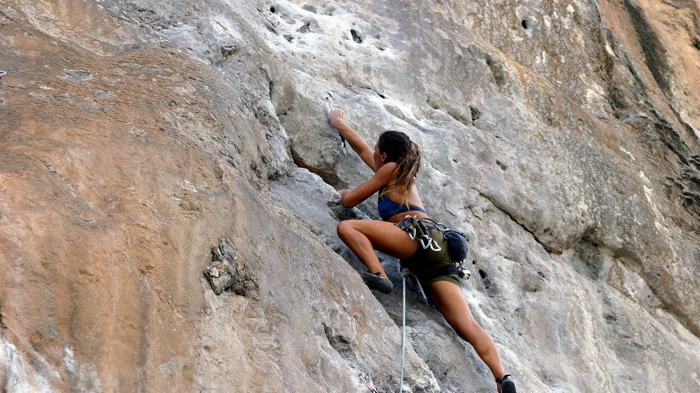 Escalada, puenting, rafting... ¿Por qué cada vez más gente se aficiona a deportes de riesgo?