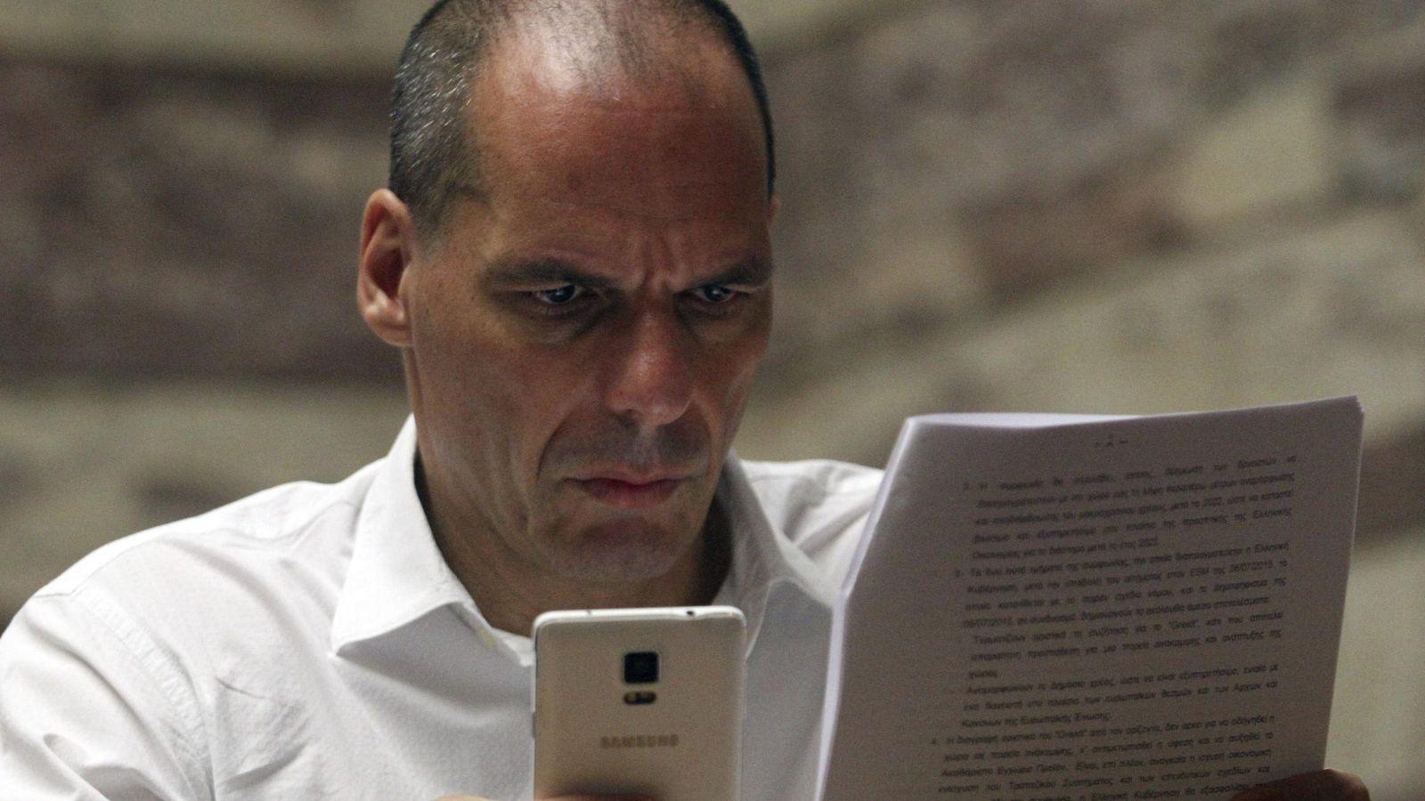 Foto: Varufakis durante una reunión en Atenas (Efe).
