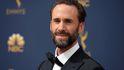Joseph Fiennes: la vida (y la casa) mallorquina de un 'sex symbol' que cumple 50 años