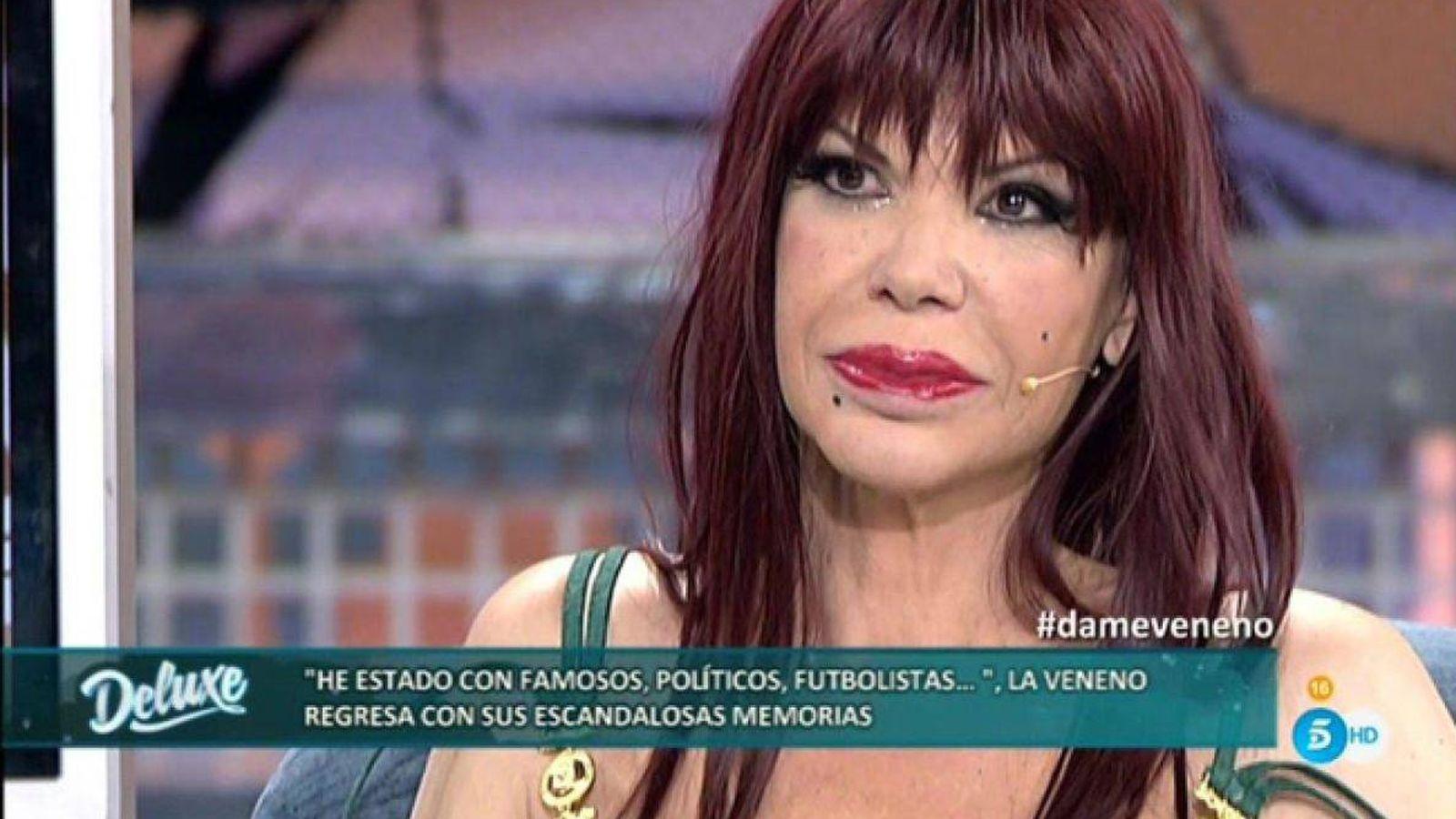 Foto: 'La Veneno', en una de sus apariciones en 'Sábado Deluxe'. (Mediaset)