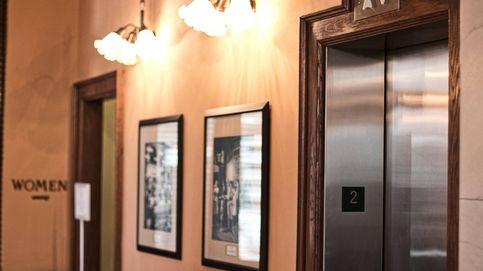 Una mujer es decapitada por un ascensor por culpa de sus auriculares