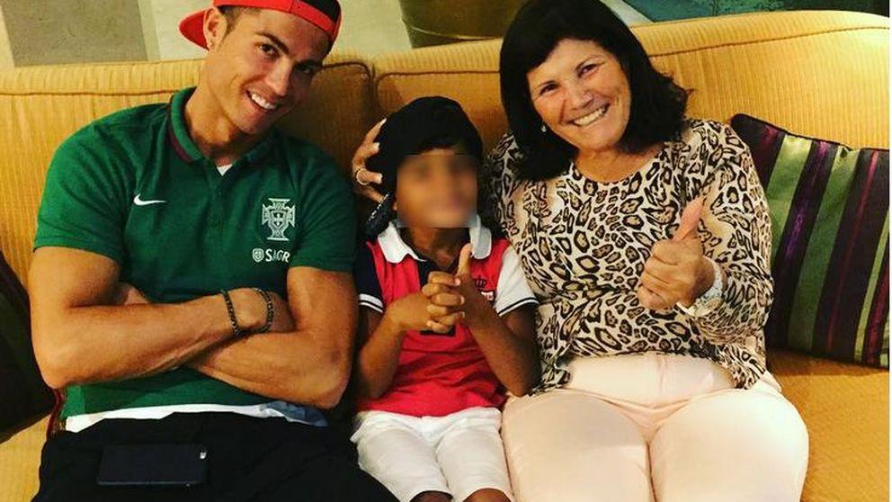 La madre de Cristiano Ronaldo triunfa en las redes sociales