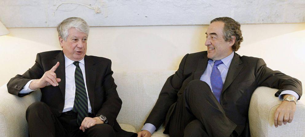 Foto: Arturo Fernández, presidente de la patronal madrileña, junto a Juan Rosell. (EFE)