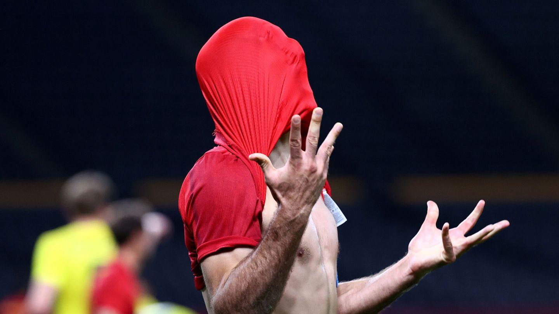 Oyarzabal, desesperado por la falta de puntería. (Reuters)