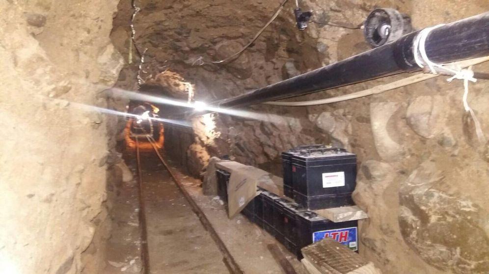 Foto: Imagen del túnel, en la que se aprecian los conductos de ventilación y el sistema de raíles (Reuters)