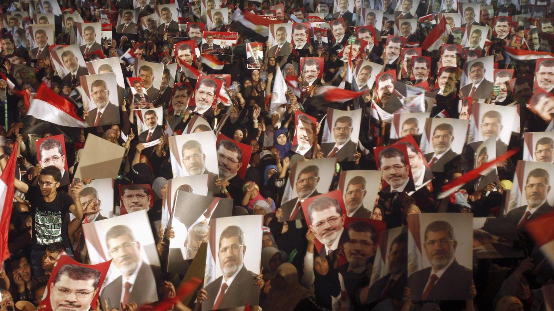 Partidarios de Mursi se manifestaron en 2012 cuando fue condenado a 20 años en un juicio anterior. (Reuters)