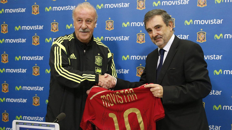 La Selección promocionó Movistar en su ropa de entrenamiento. (EFE)