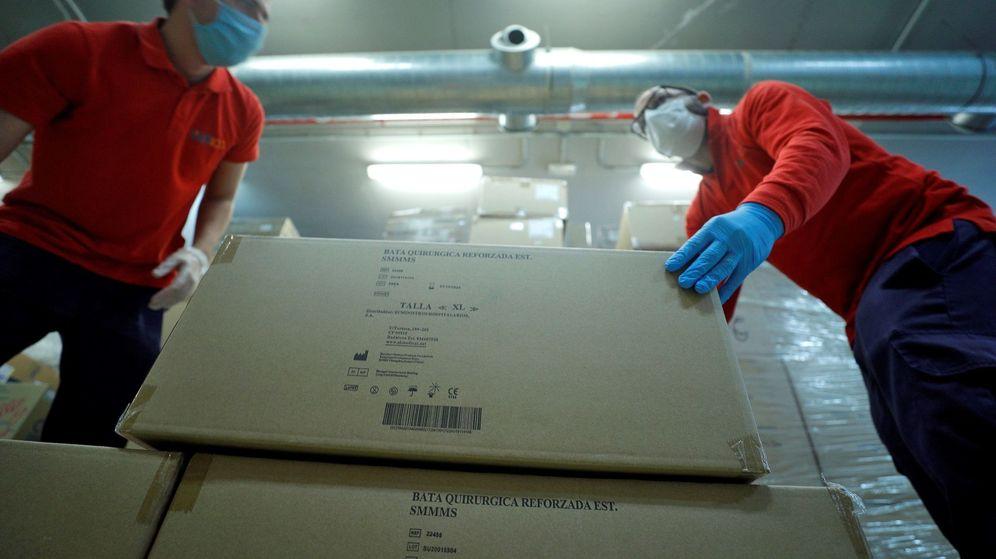 Foto: Material de protección enviado por la Generalitat al Hospital La Fe. (EFE)