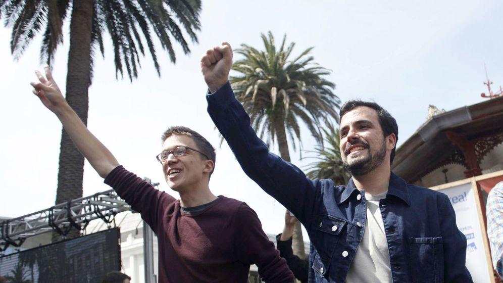 Foto: Los candidatos de Unidos Podemos por Madrid al Congreso Alberto Garzón (d) e Íñigo Errejón. (EFE)