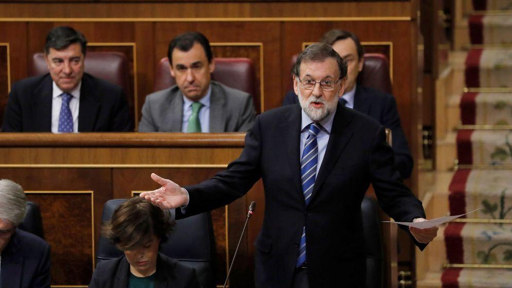 Foto: El jefe del Ejecutivo, Mariano Rajoy, durante su intervención en la sesión de control al Gobierno el pasado 7 de febrero. (EFE)