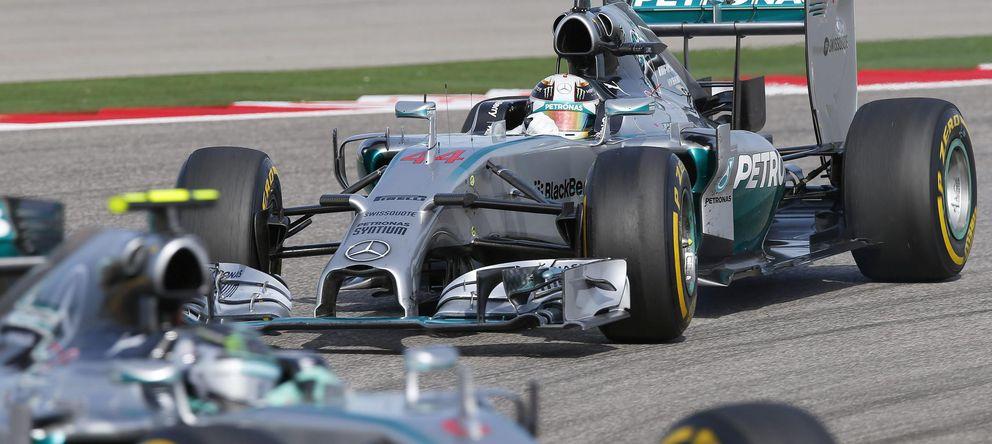 Foto: Rosberg y Hamilton por el asfalto de Austin.