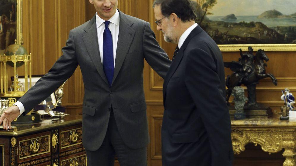 Foto: El rey Felipe VI recibe al presidente del Gobierno en funciones y líder del PP, Mariano Rajoy. (EFE)