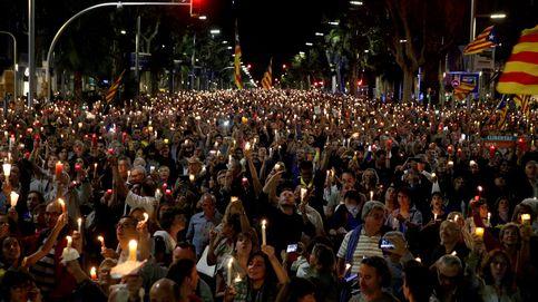 Colau pidió ayuda a Sevilla para limpiar la cera tras la manifestación de las velas
