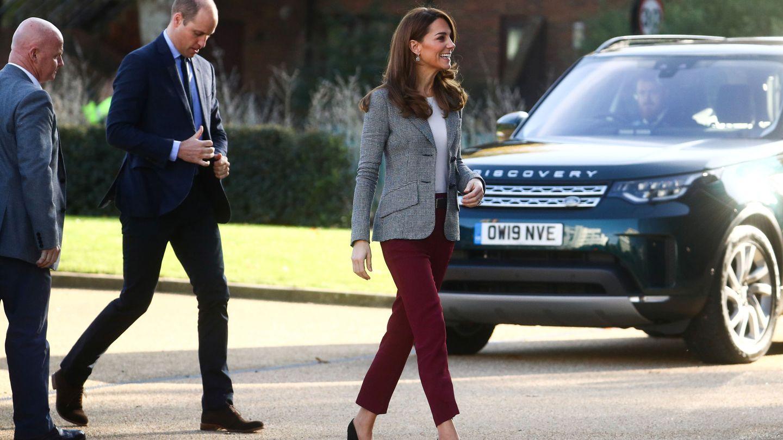 Los duques de Cambridge, en su llegada al evento de voluntarios de Give Me a Shout. (Reuters)