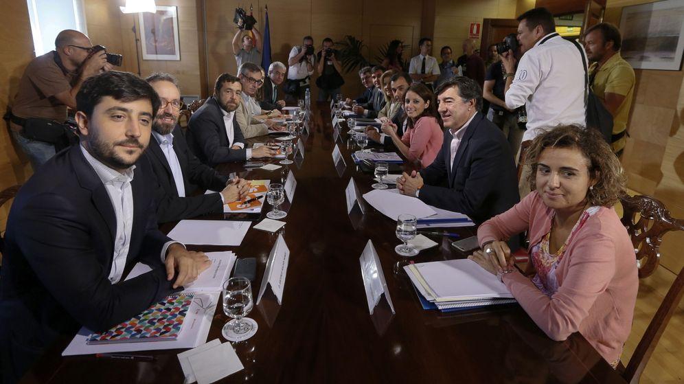 Foto: PP y Ciudadanos continúan con sus negociaciones para alcanzar un acuerdo de investidura. (EFE)