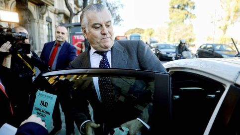 El juez De la Mata detecta vínculos entre la caja B y tres contratos de obra pública
