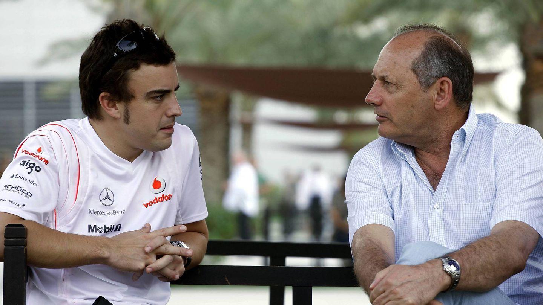 La última etapa de Ron Dennis con McLaren y Honda inició una dura caída de resultados y números (REUTERS)