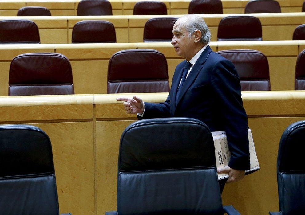 Foto: El ministro del Interior, Jorge Fernández Díaz, en un pleno del Senado (EFE)