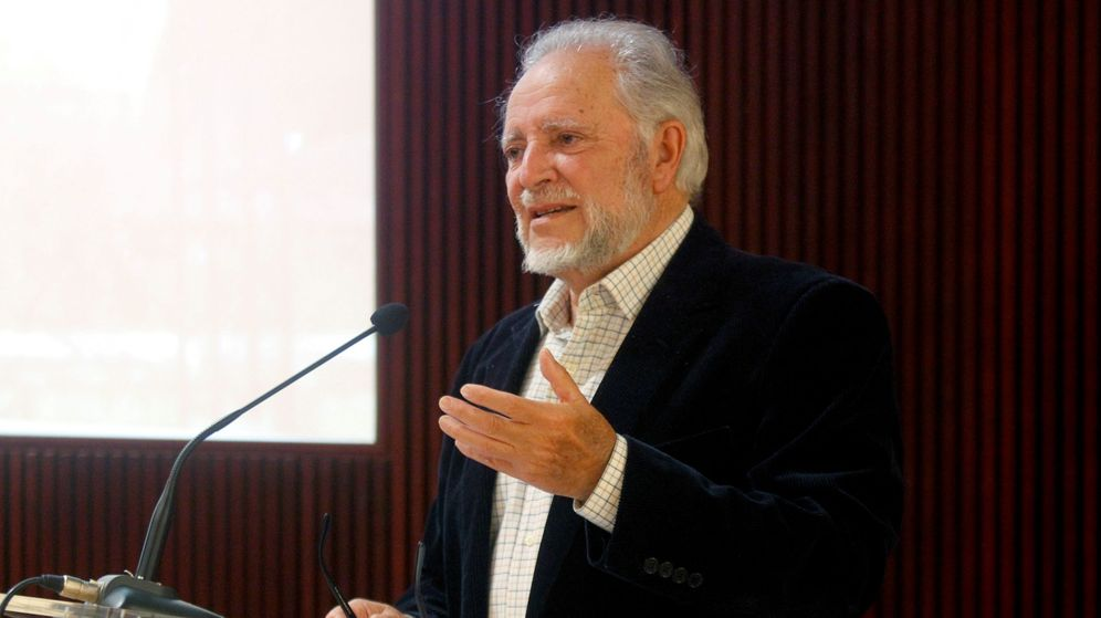 Foto:  Julio Anguita, durante la entrega del Premio Internacional de Periodismo Julio Anguita Parrado. (EFE)