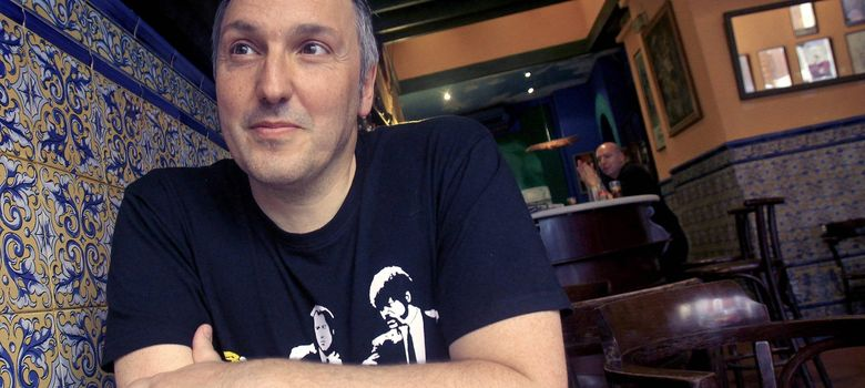 Foto: Carlos Zanón, autor de 'Yo fui Johnny Thunders' (EFE)