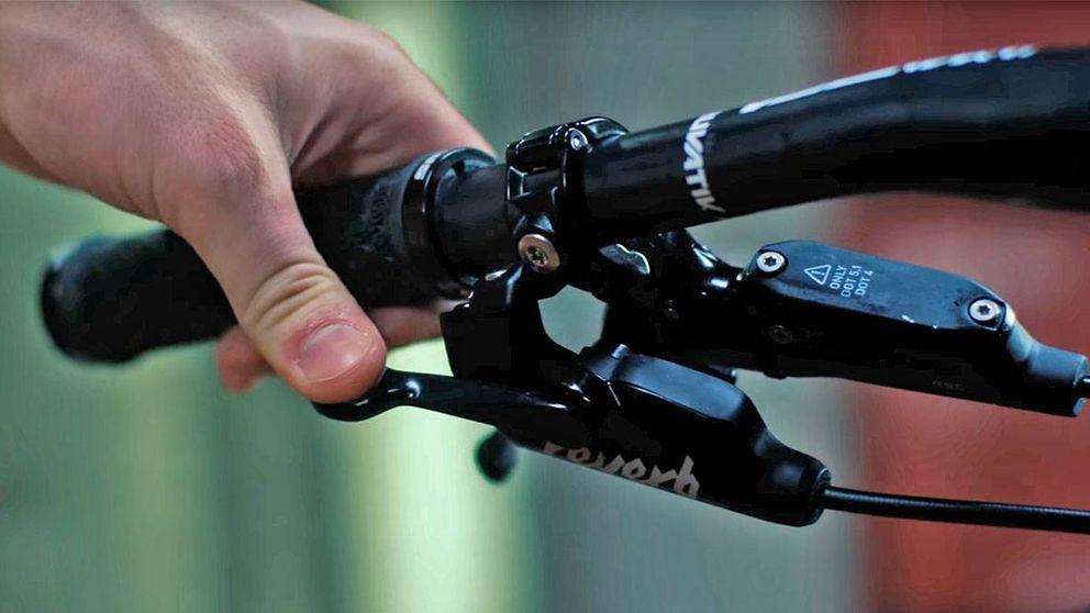 Mejora tu bicicleta: cómo ajustar el sillín con un mando remoto en el manillar