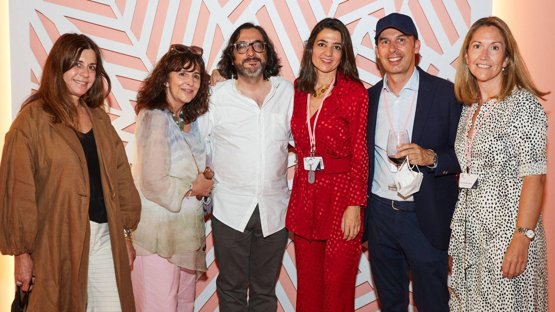 Mercedes Ruiz Mateos, Teresa Herrero, Andre?s Rubi? de Cedis, Marta Foncillas, David del Pino y Cristina del Valle. (Limited Pictures)