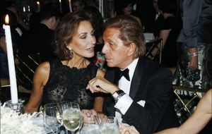 Naty Abascal le organiza a Valentino y su 'troupe' unas vacaciones festivas en Madrid