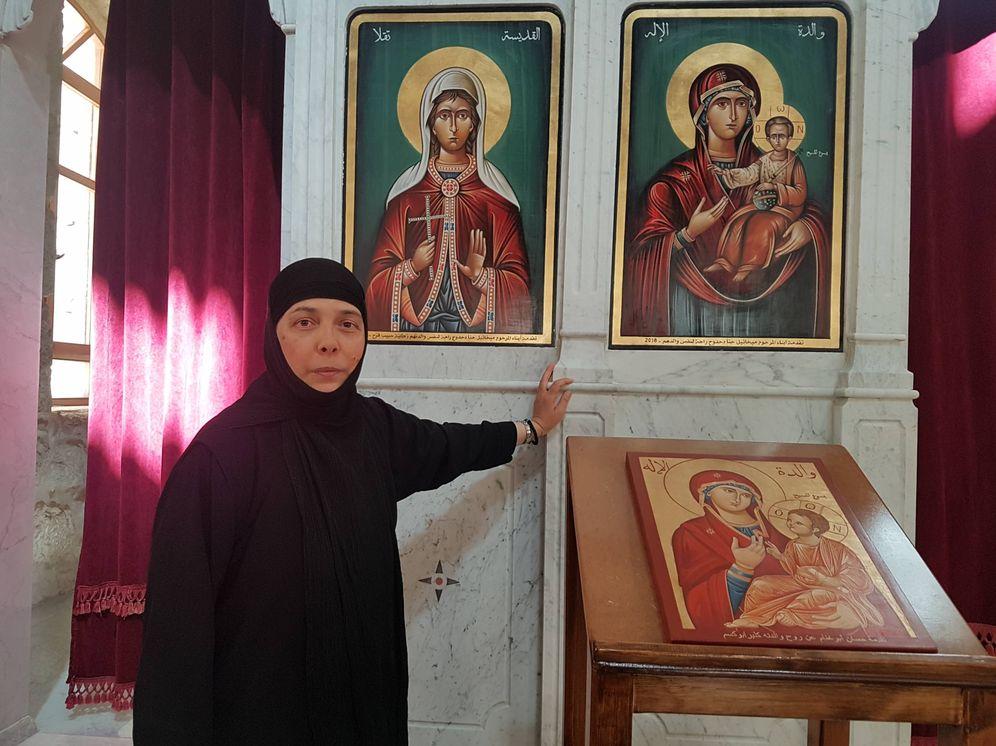 Foto: Una de las monjas capturadas por yihadistas del Frente al-Nusra en el convento de Santa Tecla, en Maalula, Siria. (Foto: Axier A. Izarra)