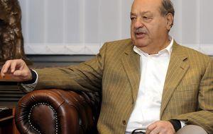 Pérez-Simón y la viuda de Luis García Cereceda anfitriones de Carlos Slim