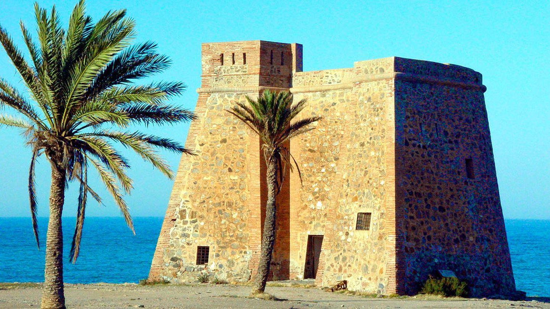 No te pierdas la Torre de Macenas y alrededores. (Foto: Turismo Mojácar)