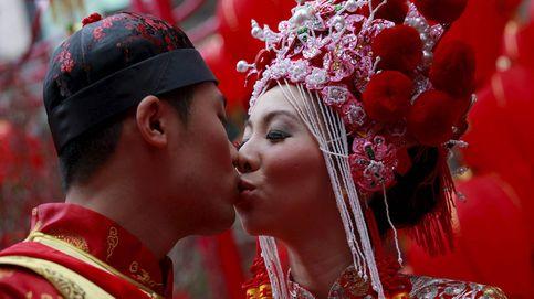China prohíbe bodas y funerales en las zonas rurales para evitar el avance del virus