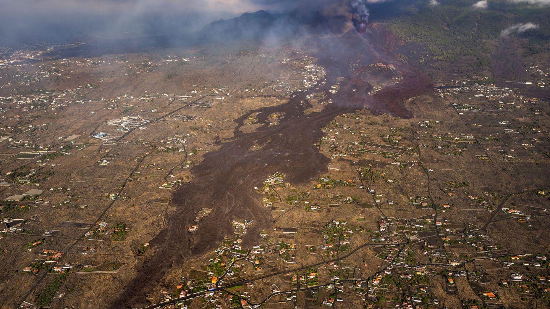 La lava arrasa La Palma. (Reuters)