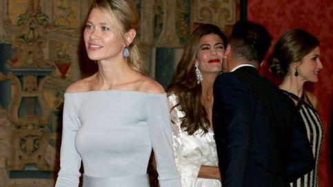 Carla Pereyra se une al duelo de  Doña Letizia y Juliana Awada