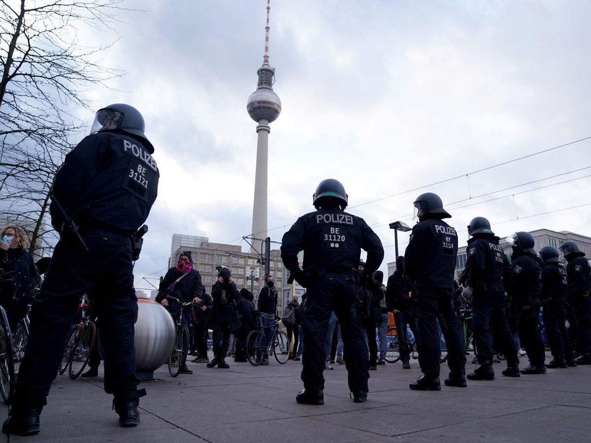 Foto: Una contra el covid-19 en Berlín. (EFE)