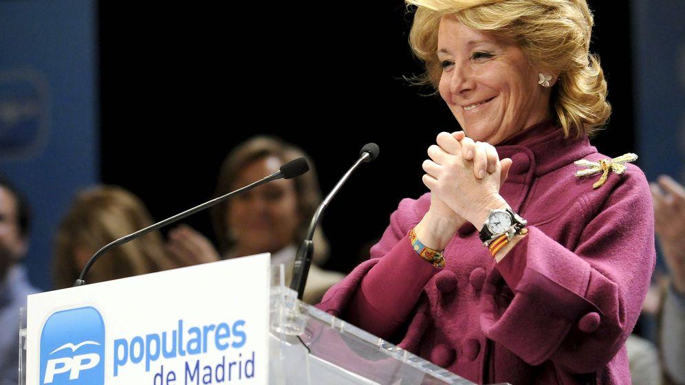 Foto: Fotografía de archivo de Esperanza Aguirre en un mitin del PP en Móstoles. (EFE)