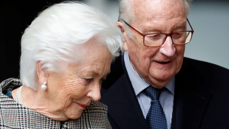 El rey emérito de Bélgica, Alberto II, y su mujer, la reina emérita Paola . (EFE)