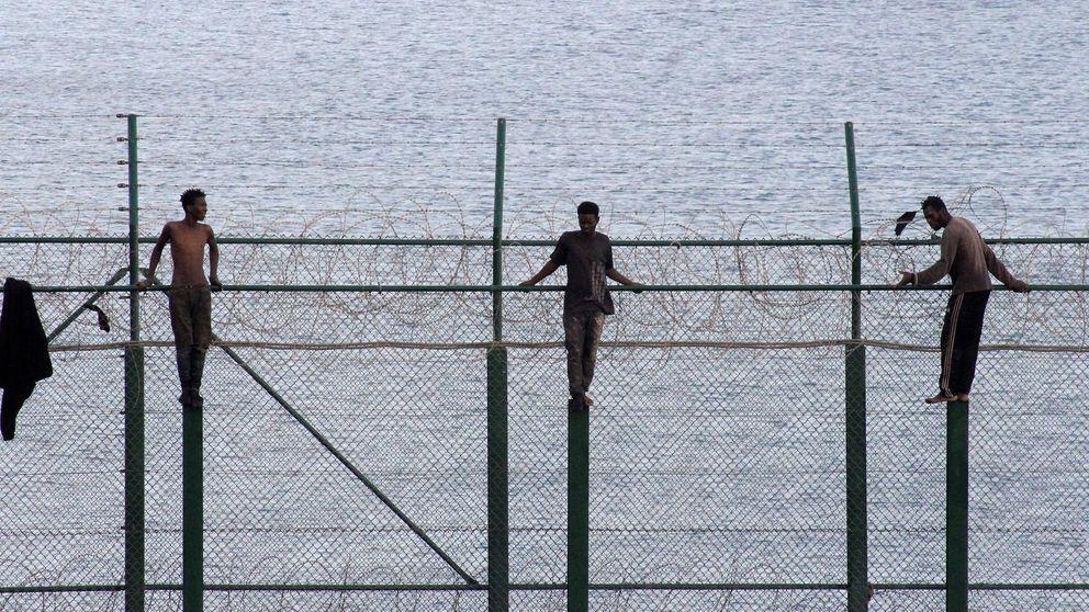 Los inmigrantes del salto a la valla en 2018 de Ceuta irán un año y medio a prisión