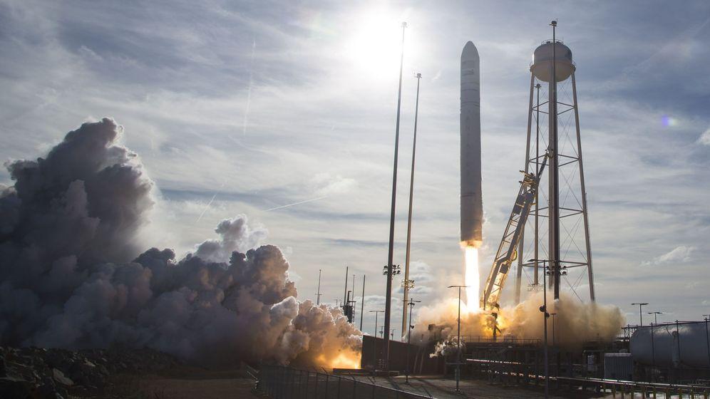 Foto: Lanzamiento de un cohete espacial por la NASA. Foto: EFE EPA AUBREY GEMIGNANI