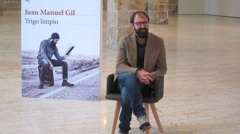 Juan Manuel Gil gana el Biblioteca Breve con 'Trigo limpio' sobre la infancia perdida