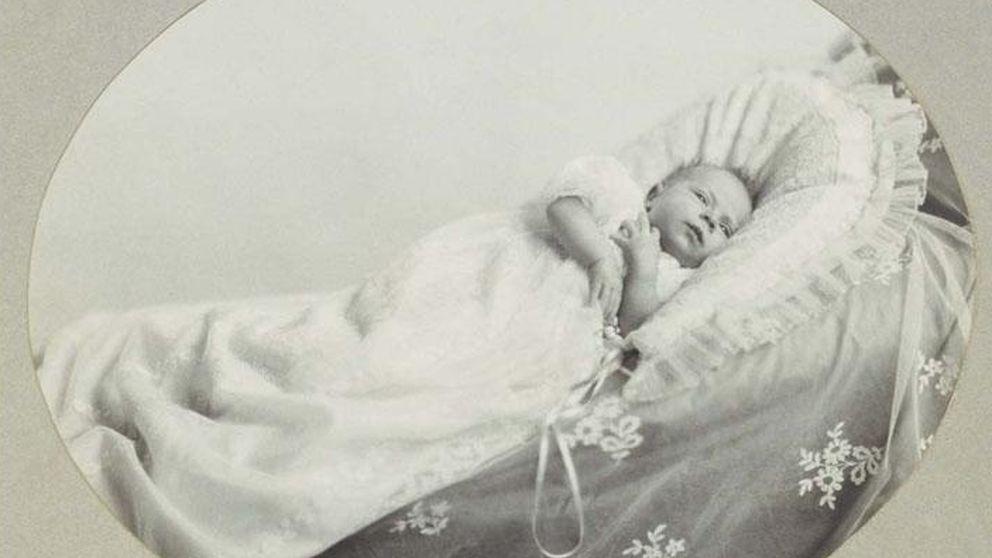 Los 90 años de Isabel II en 90 imágenes