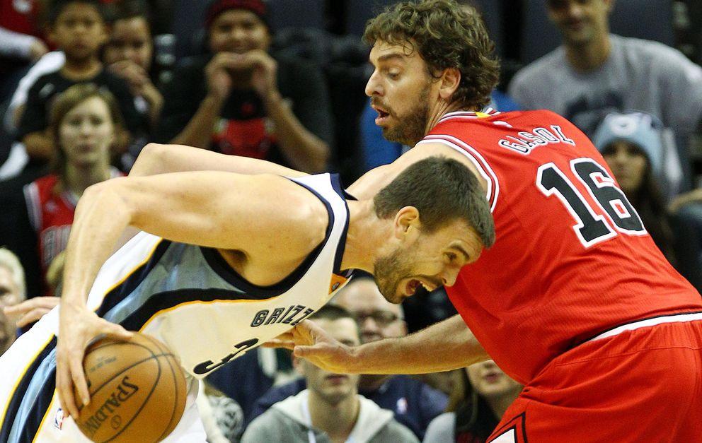Foto: Marc y Pau, en un partido con los Grizzlies y los Bulls (