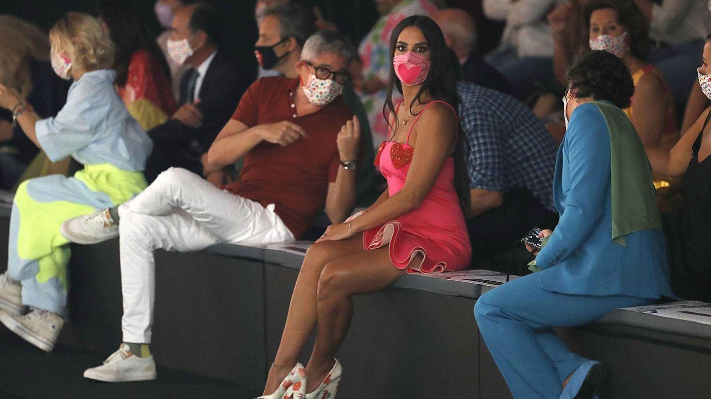 Boris Izaguirre, con Cristina Pedroche en la Mercedes-Benz Fashion Week Madrid. (EFE)