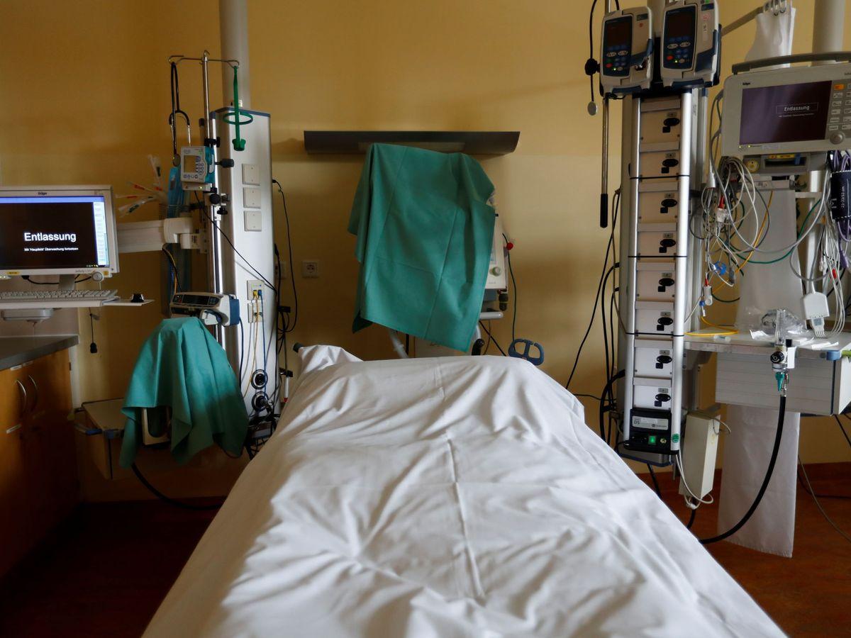 Foto: Una cama vacía en un hospital alemán. (EFE)