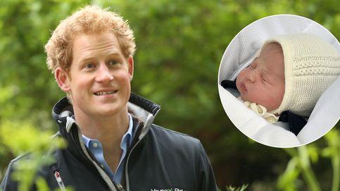 El príncipe Harry conoce por fin a su sobrina, la princesa Charlotte