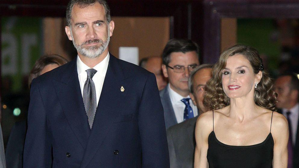 Gaitas contra pitidos en Oviedo para recibir a la Letizia más 'celebrity'